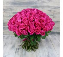 Букет из 101 розовой розы средней длины