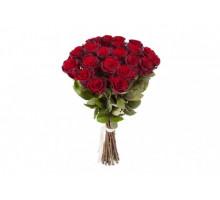 Букет из 21 красная роза средней длины