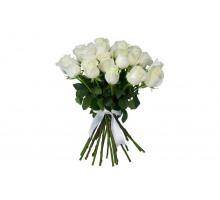 Букет из 21 белой розы средней длины
