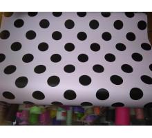 Глянцевая бумага бледно розовая в черный горошек
